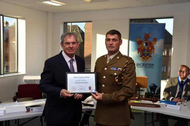 The award was presented to WO1 (GSM) Lee Davies RLC by the outgoing Bicester Town Mayor Councillor, Les Sibley