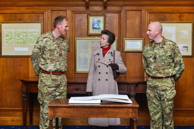 Royal Visit for 9 Regiment